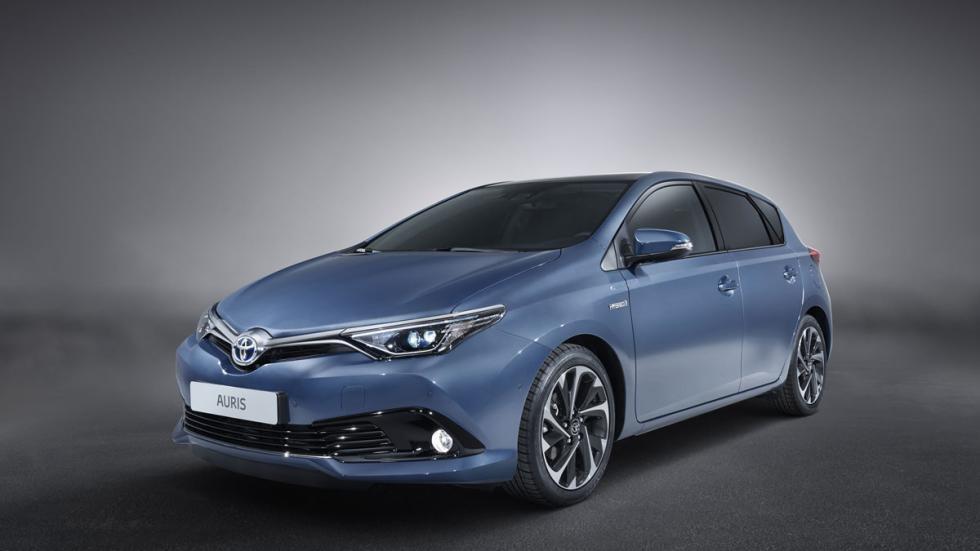 Toyota Auris 2015 tres cuartos delantero