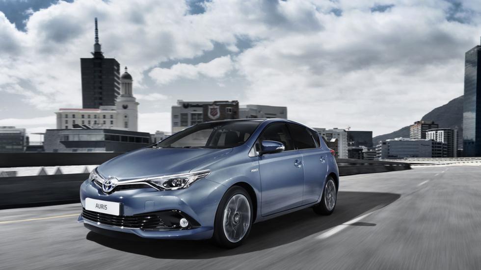 Toyota Auris 2015 tres cuartos delantero 3