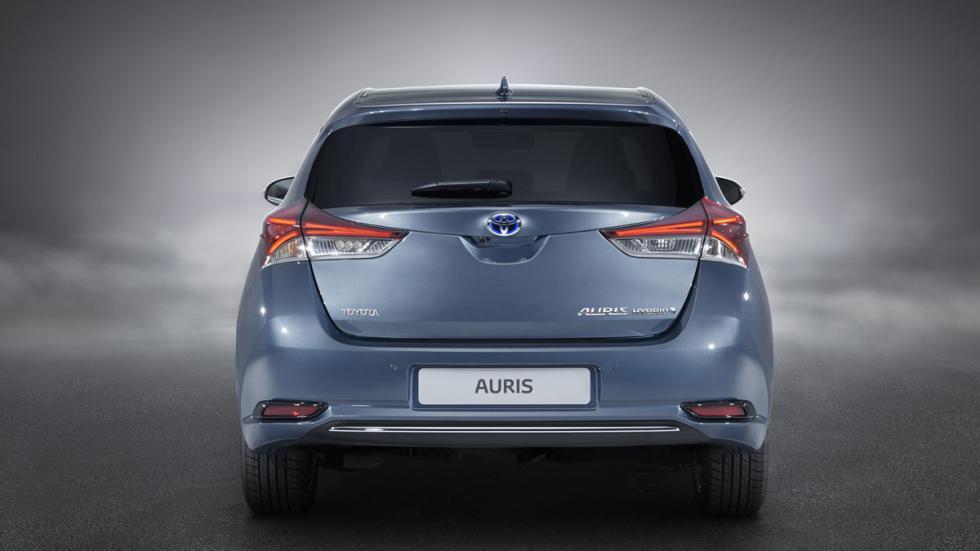 Toyota Auris 2015 trasero