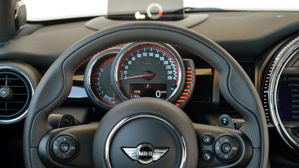 Mini John Cooper Works 2015 volante