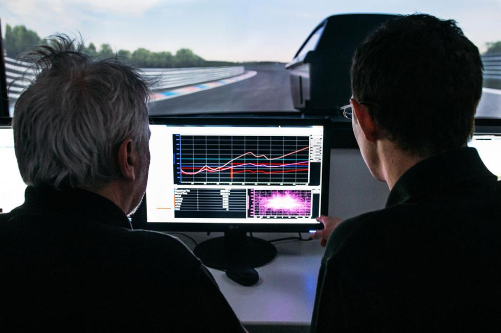 Simulador avanzado de automoción