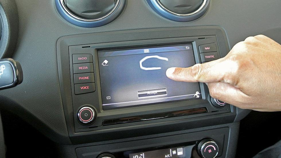 Prueba de Seat Ibiza 2015 estática consola pantalla