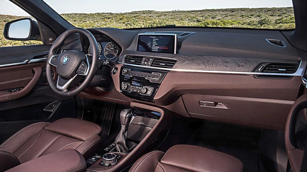 BMW X1 2016 interior.