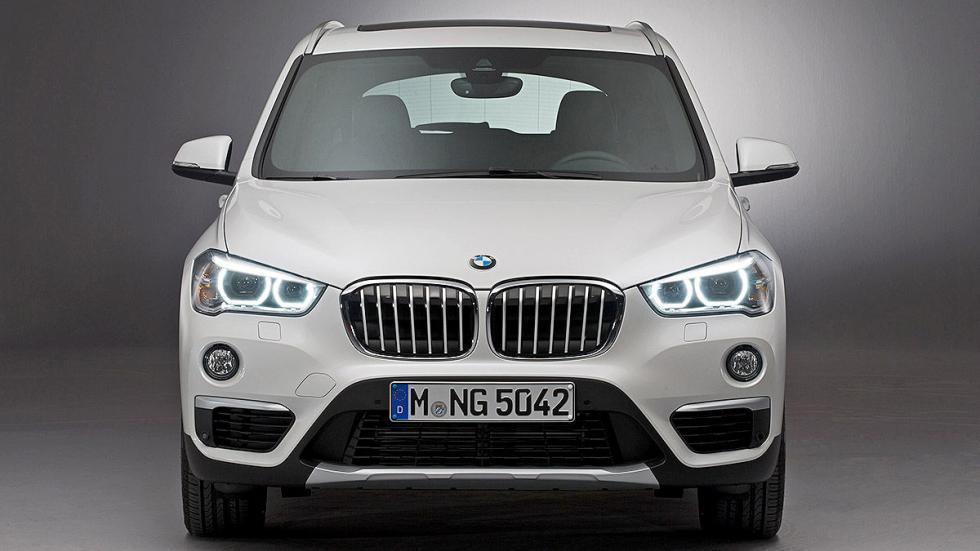 BMW X1 2016 parrilla.