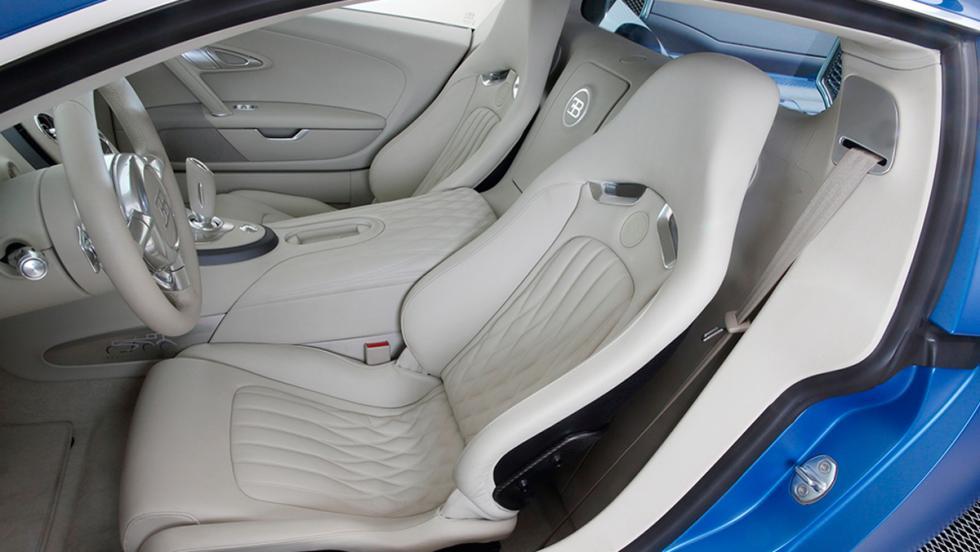 Bugatti Veyron Bleu Centenaire asientos
