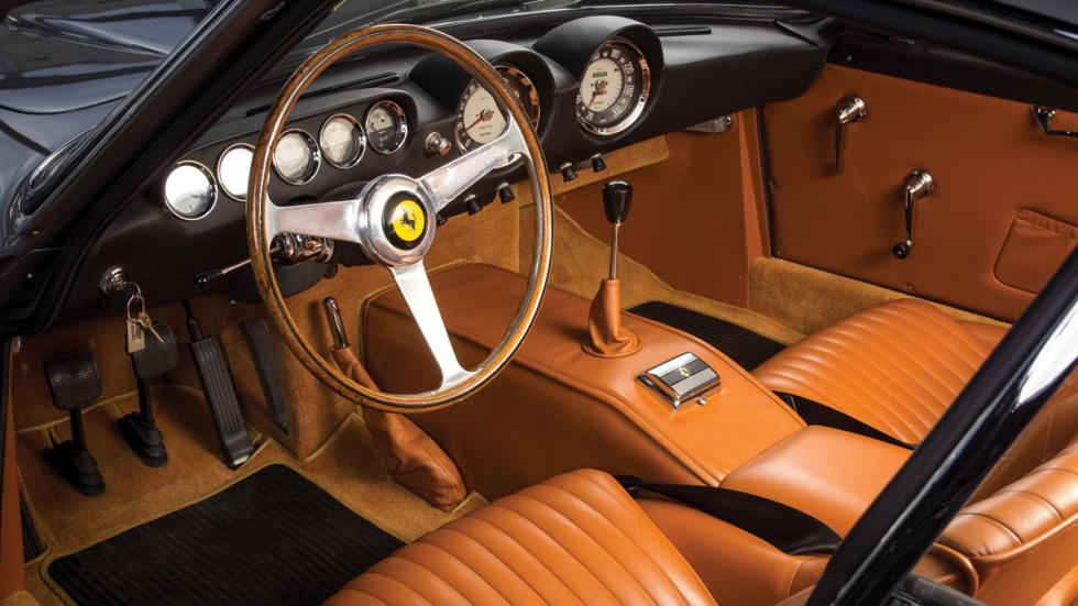 Ferrari 250 GT/L Berlinetta Lusso interior