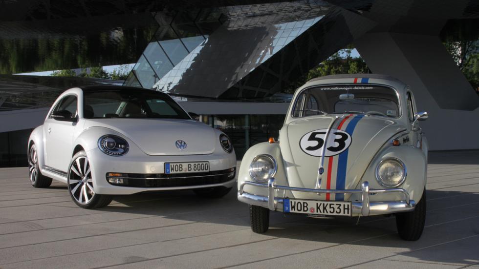 Volkswagen Beetle clásico y actual