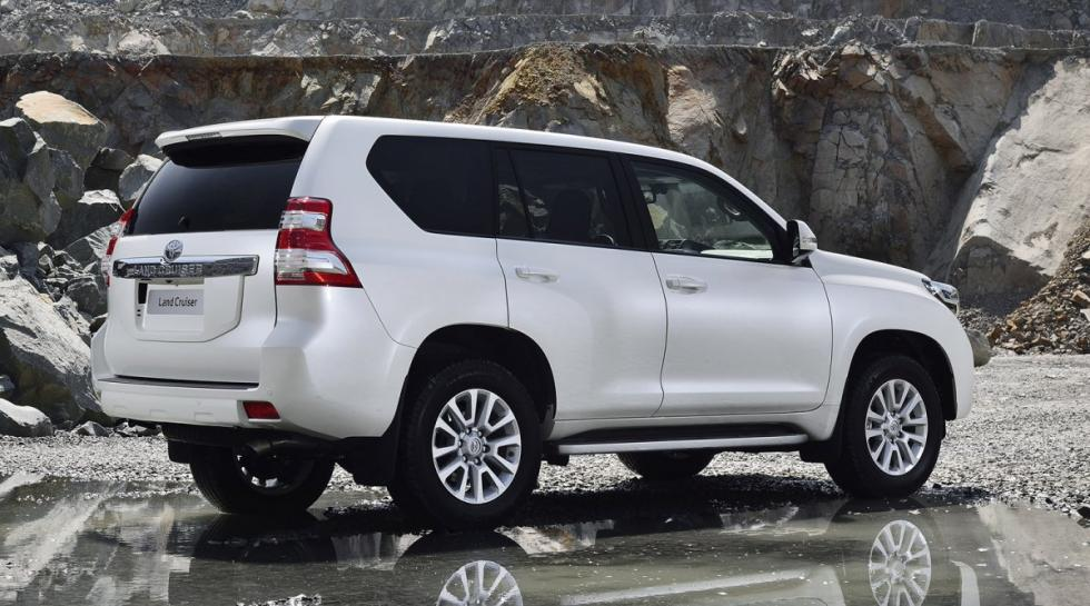 Toyota Land Cruiser trasera
