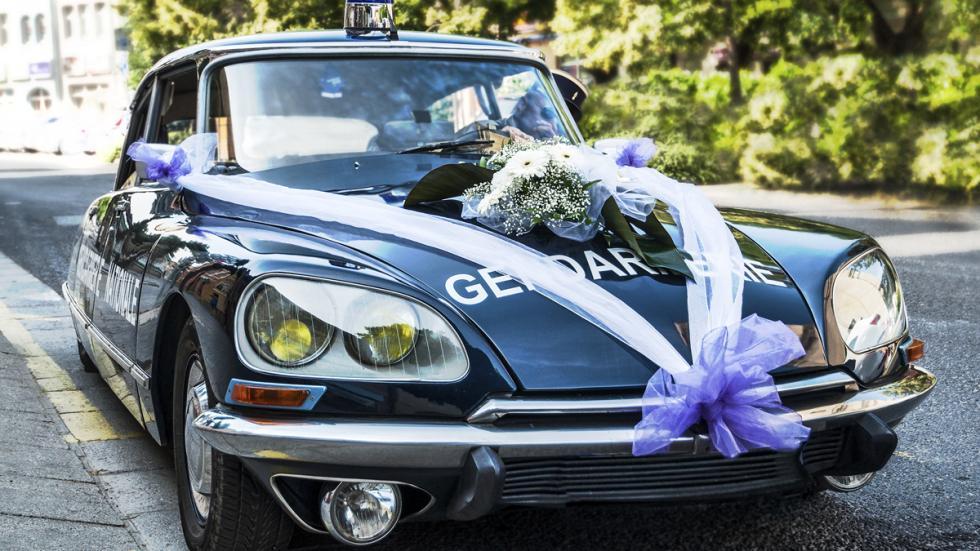 coche para bodas policia