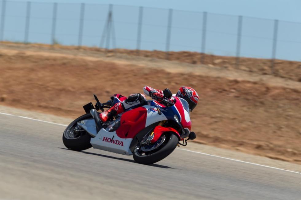 Honda RC213V-S. Rodando en circuito.