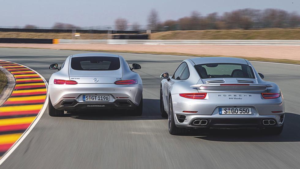 Mercedes AMG GT y Porsche 911 trasera