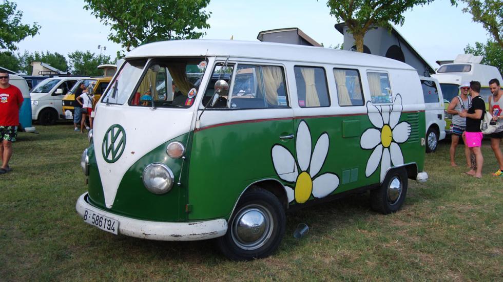 concentración furgonetas volkswagen 2015 flower power