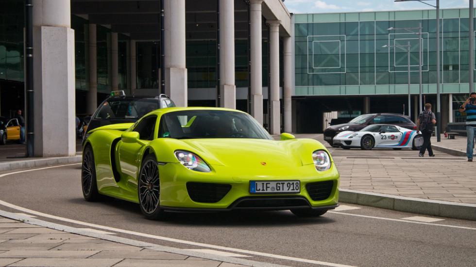 Porsche 918 Spyder verde