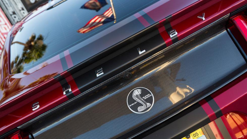 Shelby Supersnake 2015 logo trasero