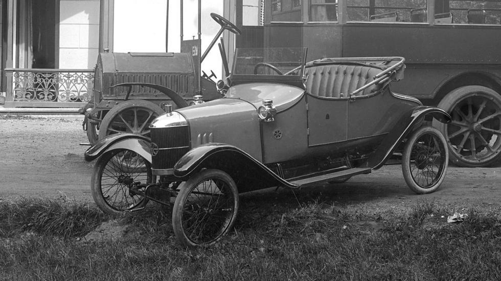 coches-espanoles-mejores-rivales-britanicos-AC-10