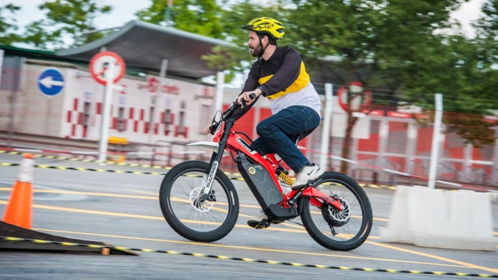 Prueba-Bultaco-Brinco-moto-bici-pedaleo
