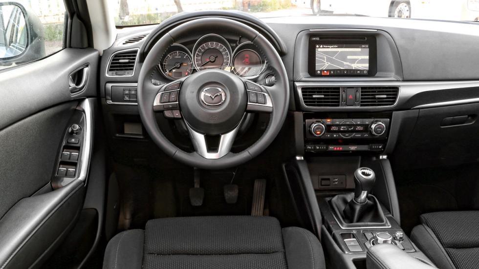 Audi Q3 contra Mazda CX-5