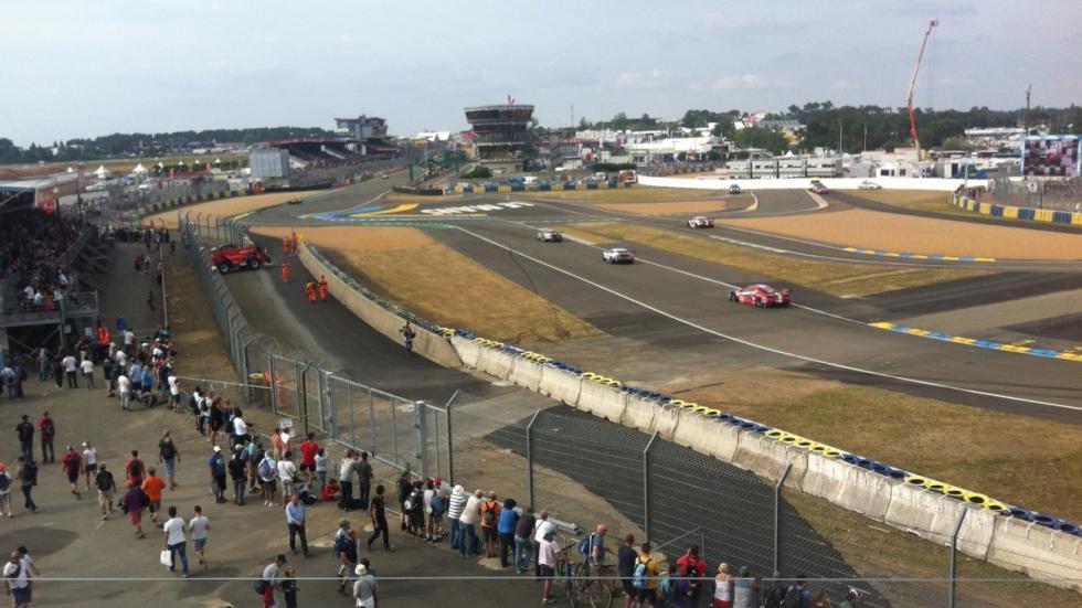 24-Horas-Le-Mans-2015-noria-llegada-Porsche-Experience