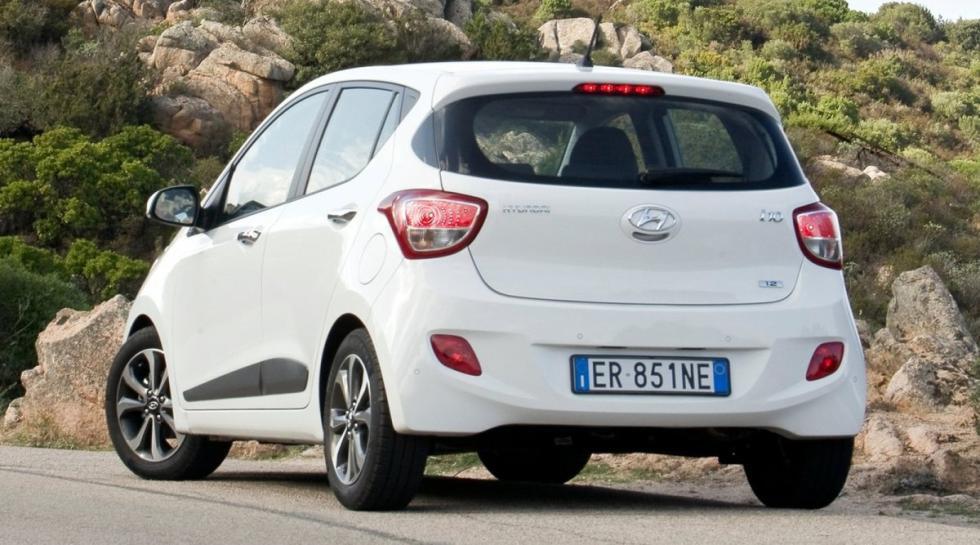 Hyundai i10 trasera
