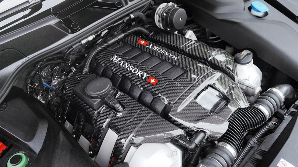 Porsche Cayenne Turbo S de Mansory 3 cuartos motor