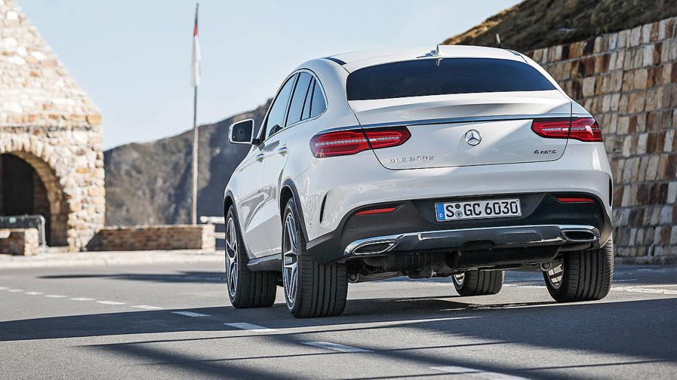 Prueba: Mercedes GLE detalle portón