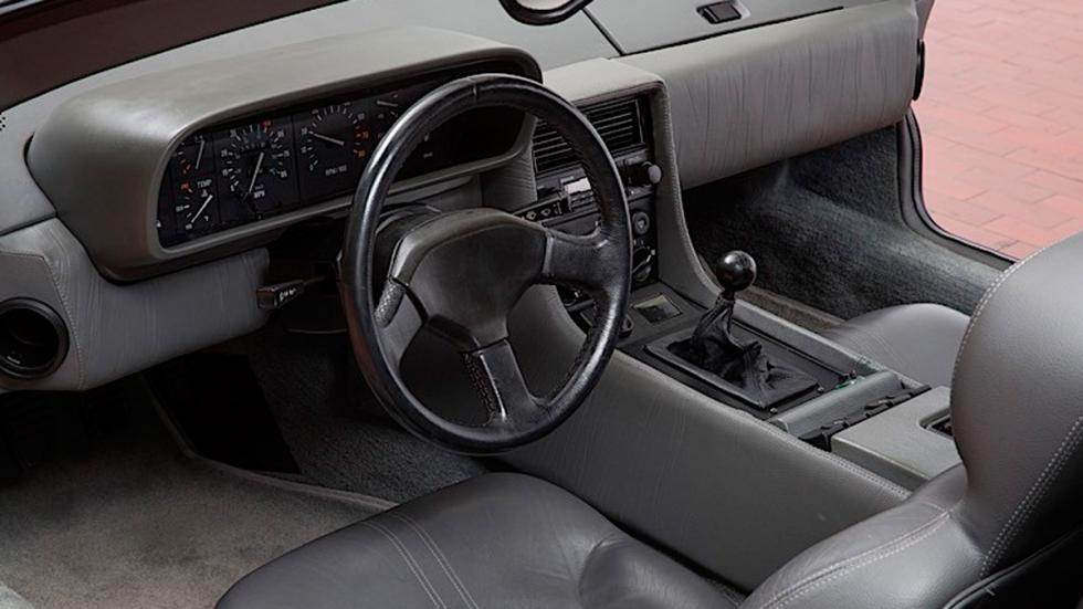 DeLorean subasta interior