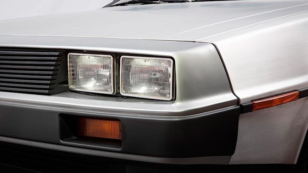 DeLorean subasta faro delantero