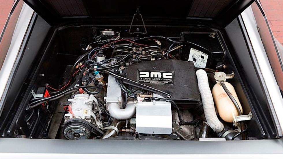 DeLorean subasta motor