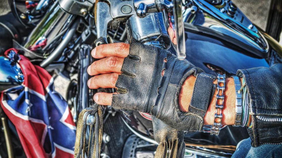 trucos-combatir-calor-moto-guantes
