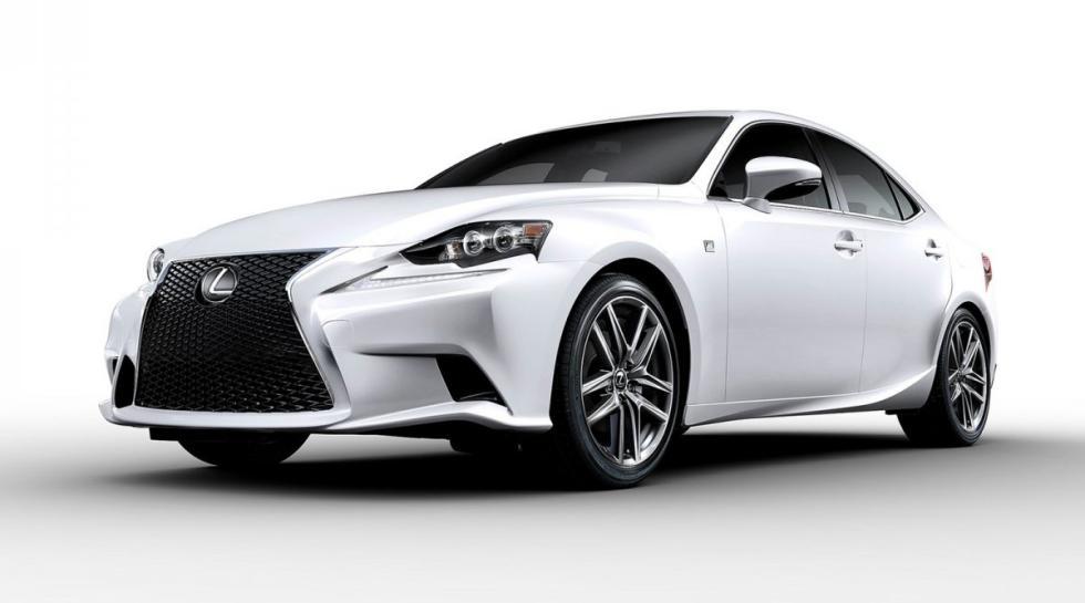 Lexus IS delantera