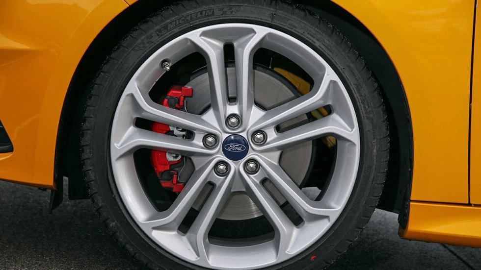 Ford Focus Sportbrake ST 2.0 TDCi llanta