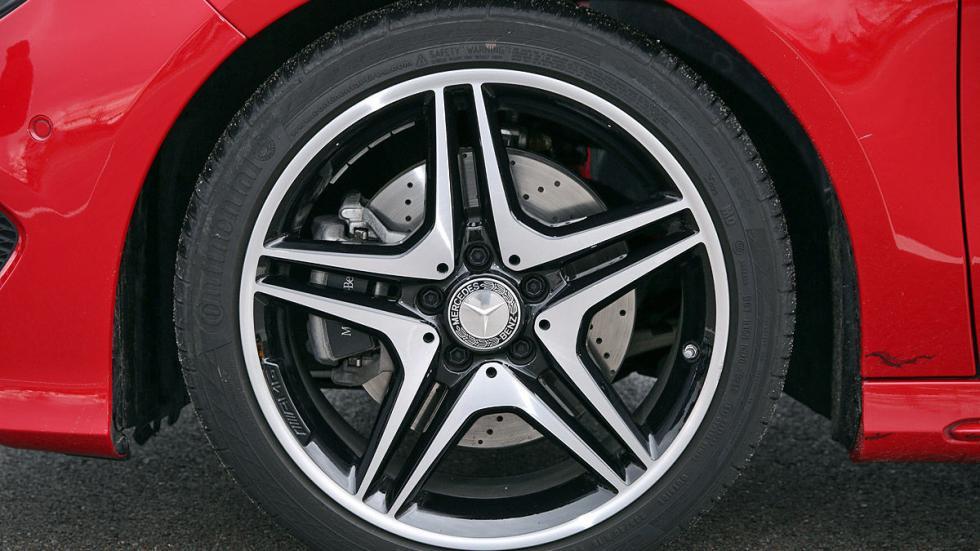Mercedes CLA Shooting Brake 220 CDI llanta