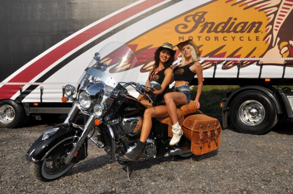 Indian Motorcycle Riders Group ¡Chicas!
