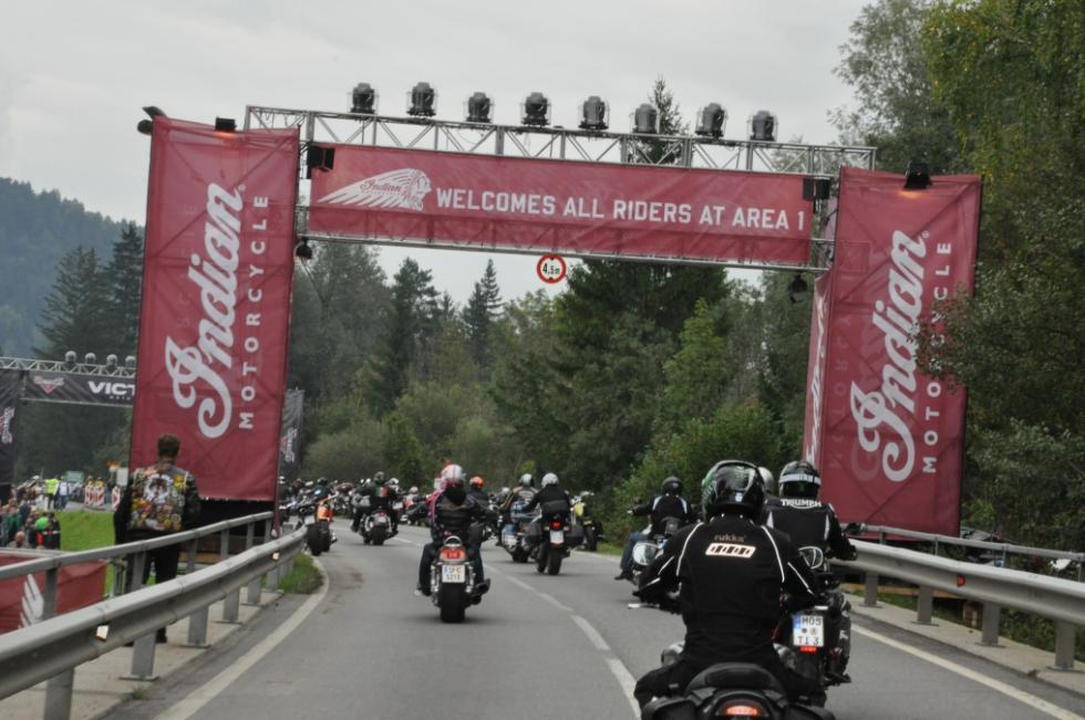 Indian Motorcycle Riders Group. Entrada concentración 2.