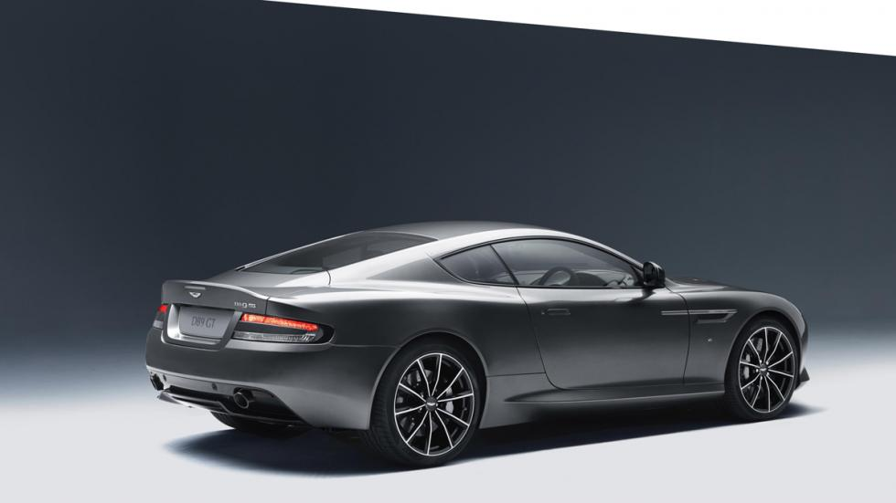 Aston Martin DB9 GT trasera
