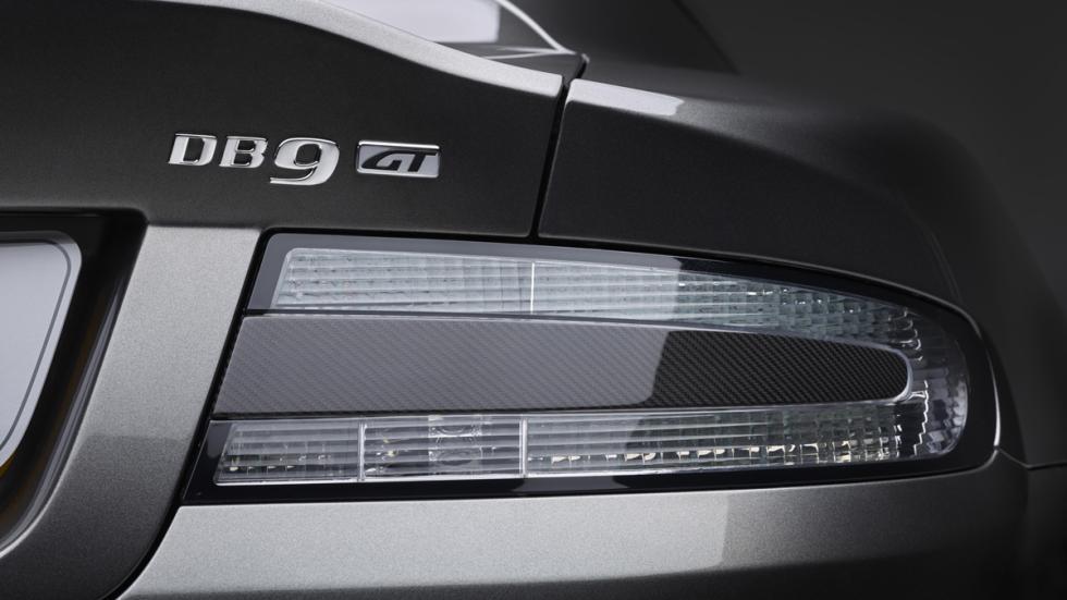 Aston Martin DB9 GT luces