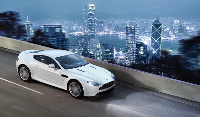 Aston Martin rapide 2015 movimiento