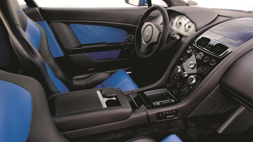 interior Aston V8 Vantage