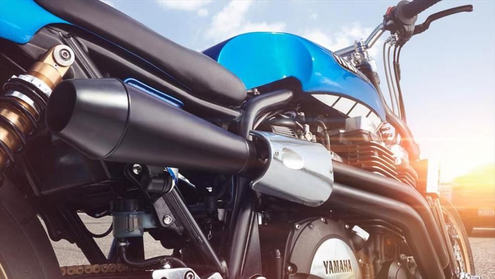 Yamaha XJR1300 'Rhapsody in Blue' by Keino escape