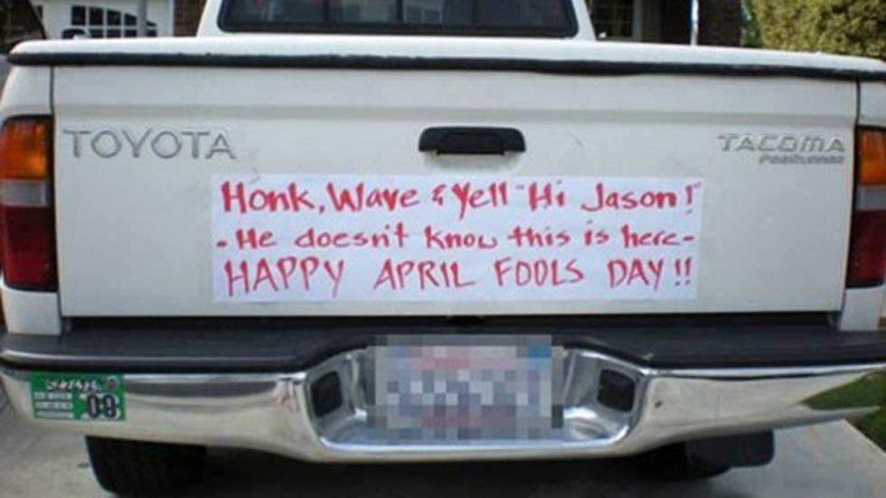 mejores-bromas-coches-letrero