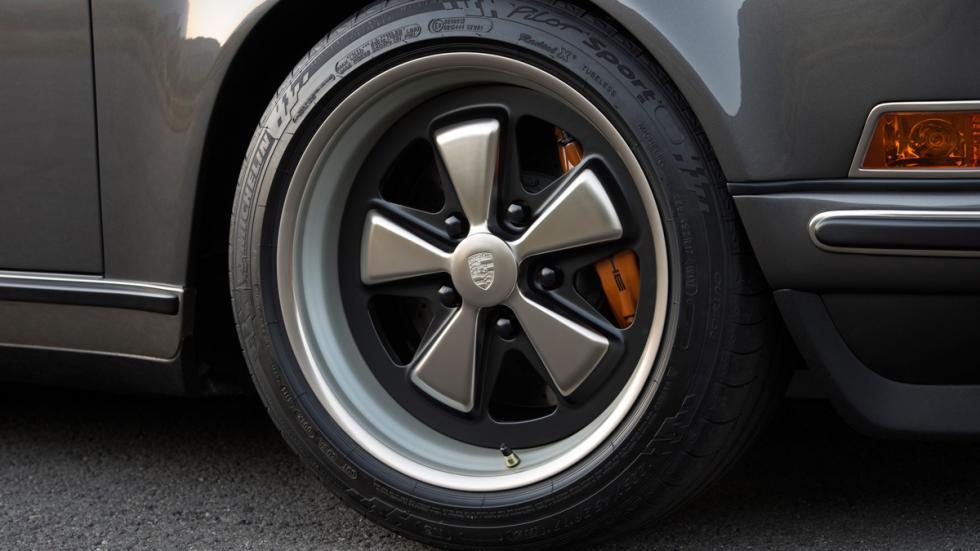 Porsche 911 Targa Singer llantas