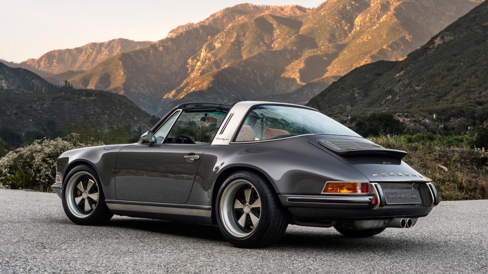 Porsche 911 Targa Singer trasera