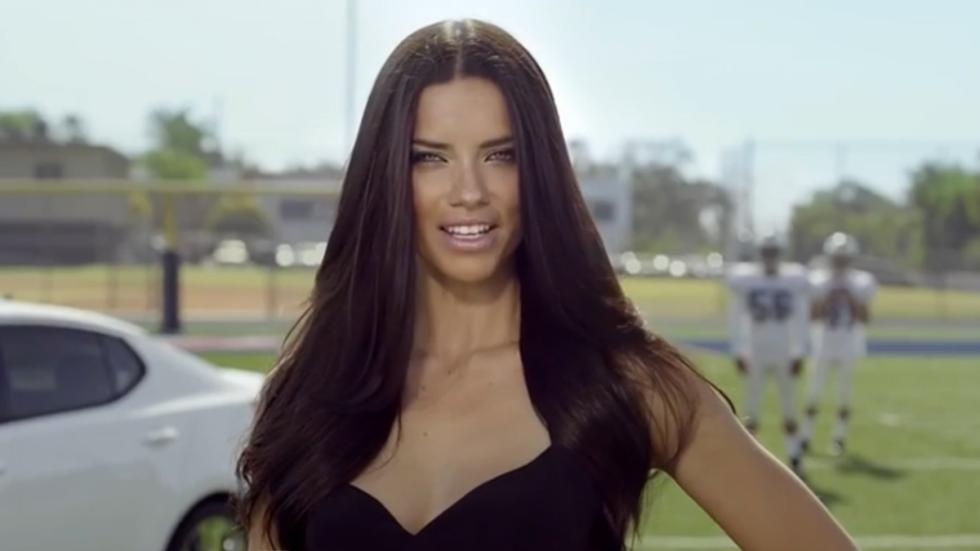 Adriana Lima anuncio kia 3