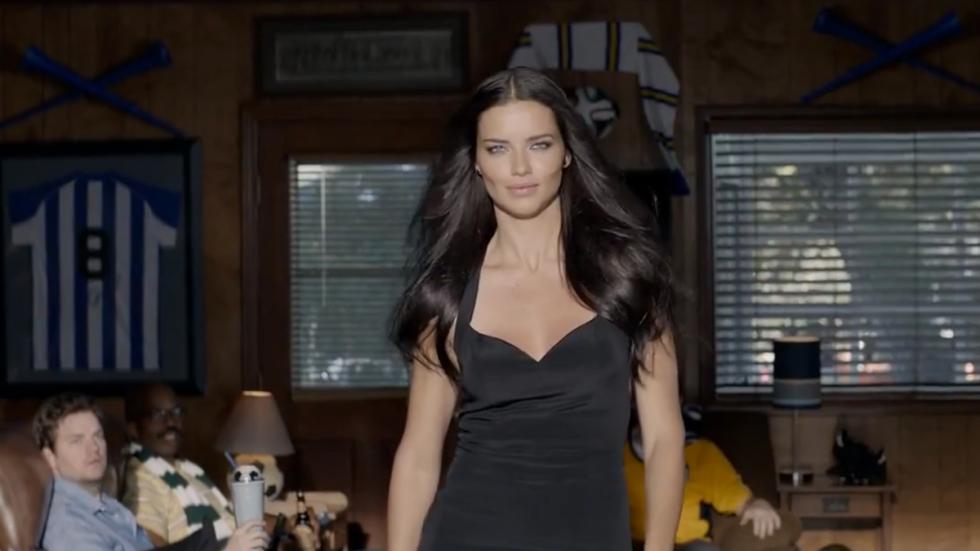 Adriana Lima anuncio kia 4