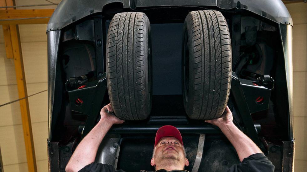 Ellenator zaga ruedas desde abajo