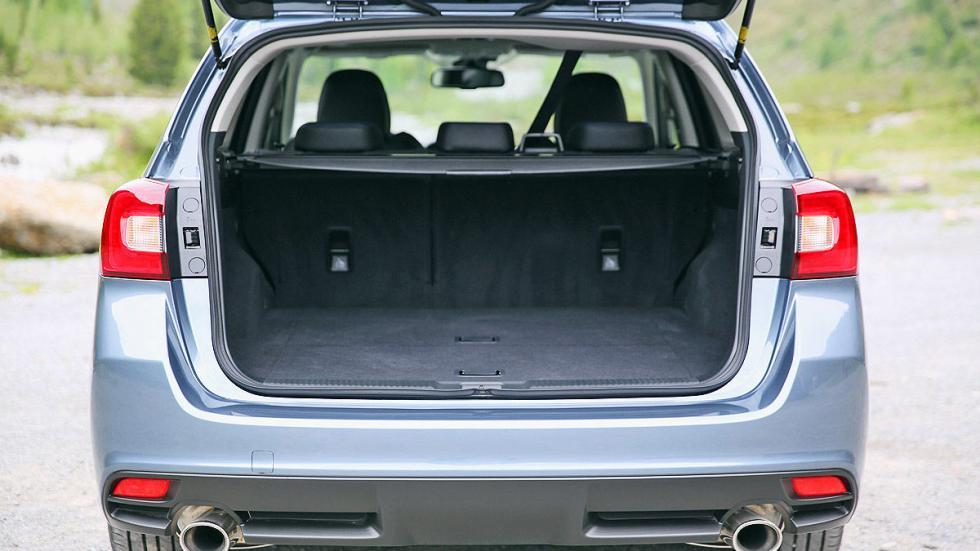 Subaru Levorg detalle interior maletero