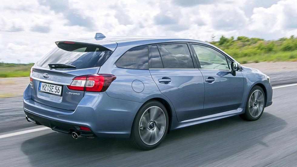 Subaru Levorg lateral zaga