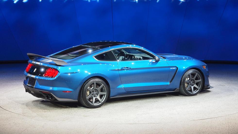 coches-nuevos-mas-exclusivos-puedes-comprar-ford-mustan-gt350r