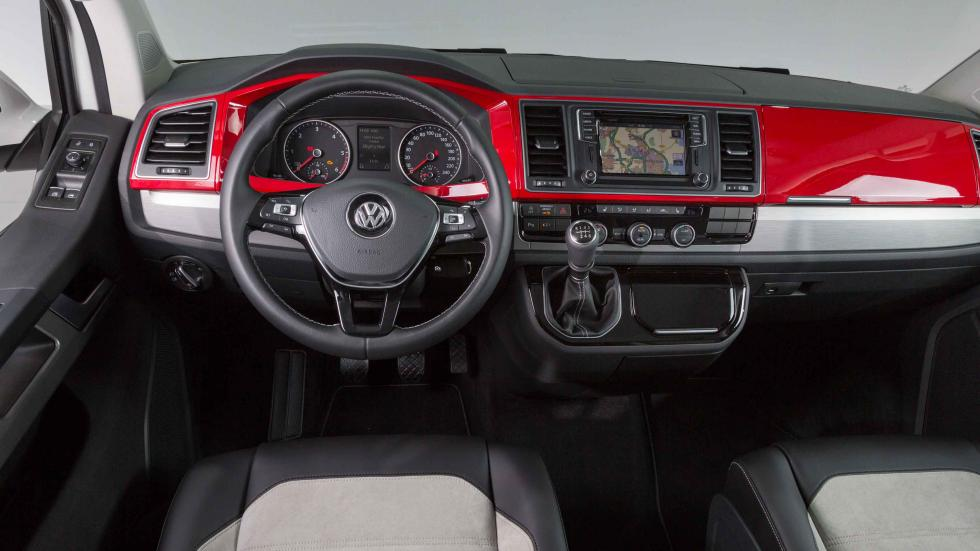 volkswagen T6 2015 puesto de conducción