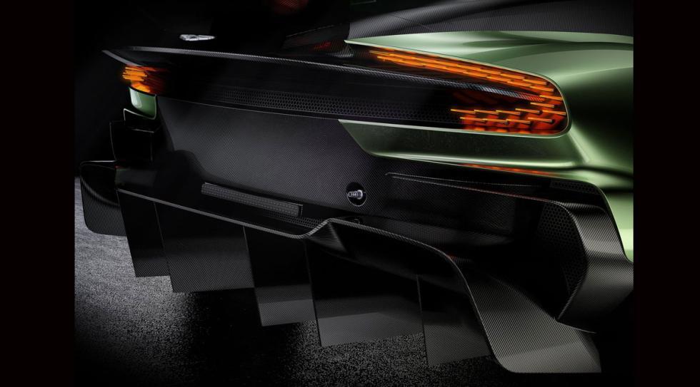 Aston Martin Vulcan capó